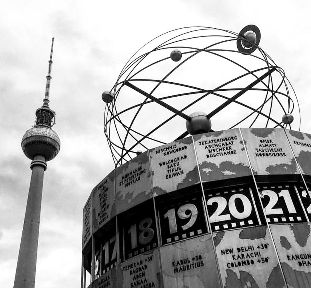 Berlin, Alexanderplatz. Foto von Ulrike Liebig, Architektin. Mitarbeiterportrait von einszueins die Ingenieure für digitale Pläne.