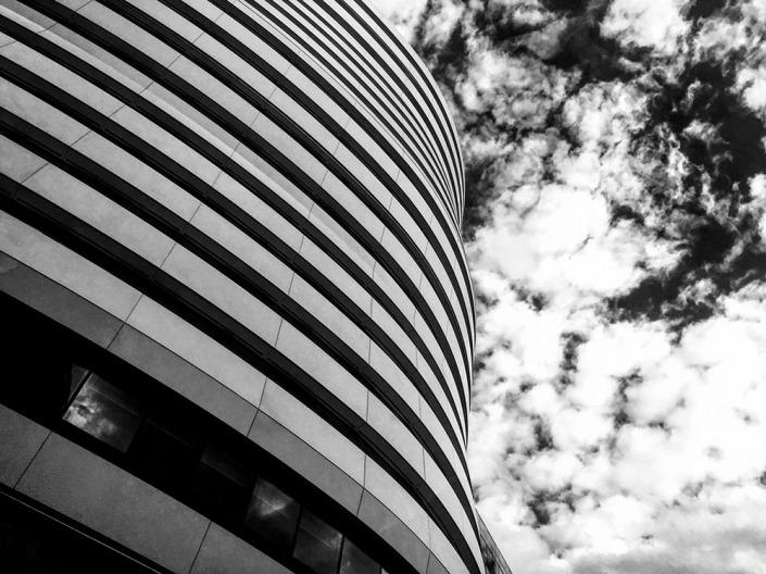 London, Office Building. Foto von Ulrike Liebig, Architektin. Mitarbeiterportrait von einszueins die Ingenieure für digitale Pläne.