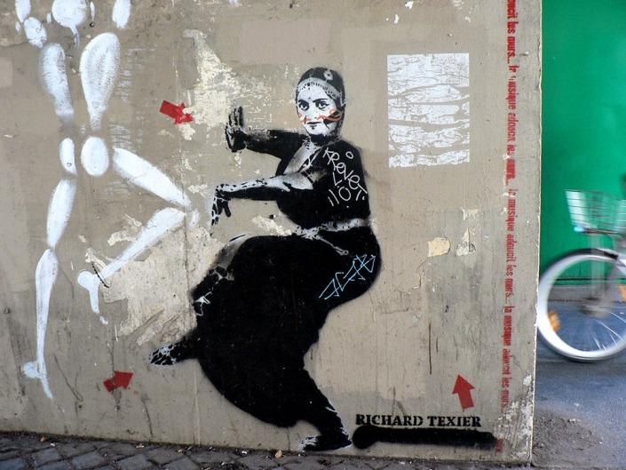 Paris, Graffiti. Foto von Ulrike Liebig, Architektin. Mitarbeiterportrait von einszueins die Ingenieure für digitale Pläne.